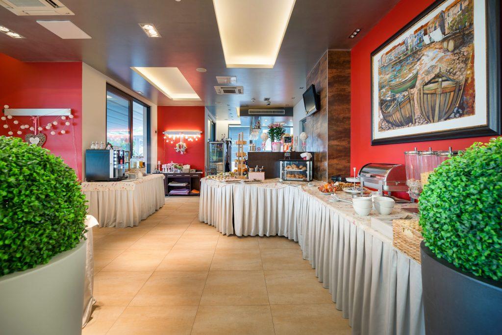 Hotel-Maritimo-švedski-stol-1-of-21-1024x684