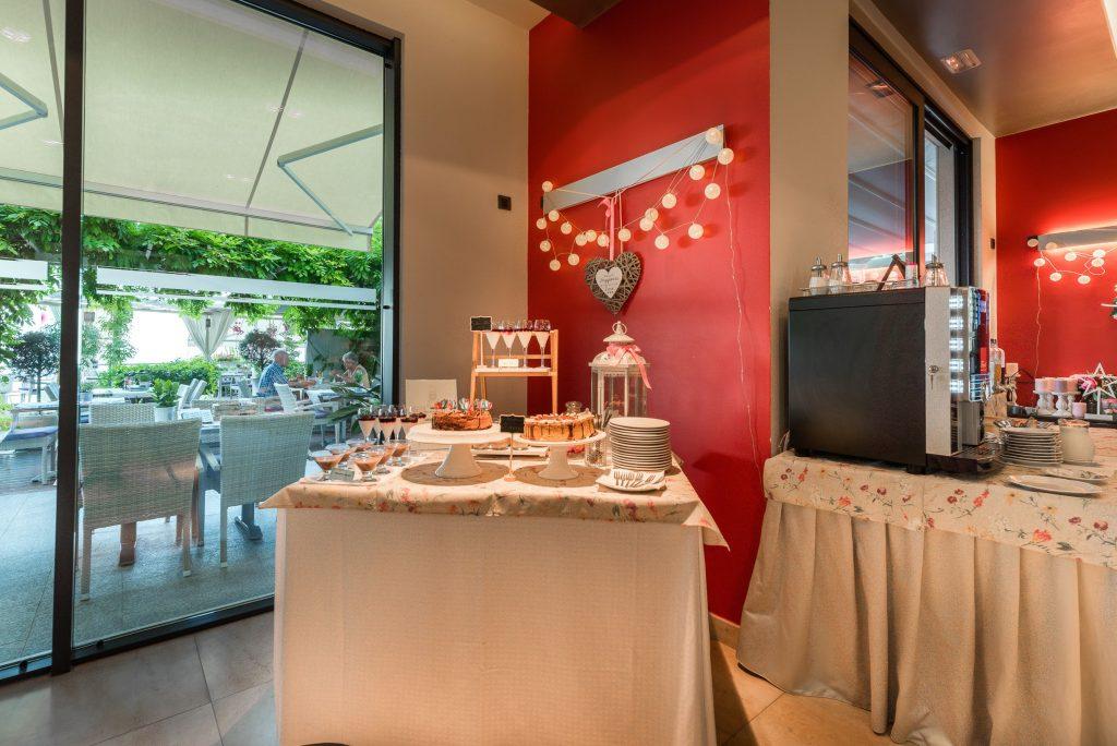 Hotel-Maritimo-švedski-stol-3-of-21-1024x684