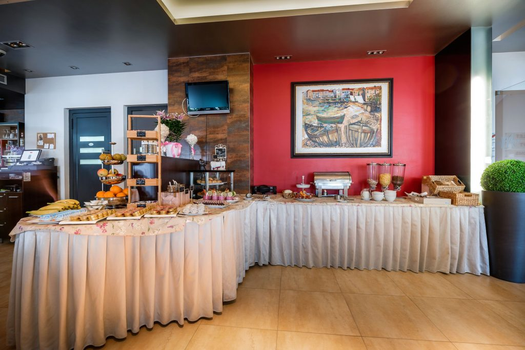 Hotel-Maritimo-švedski-stol-4-of-21-1024x684