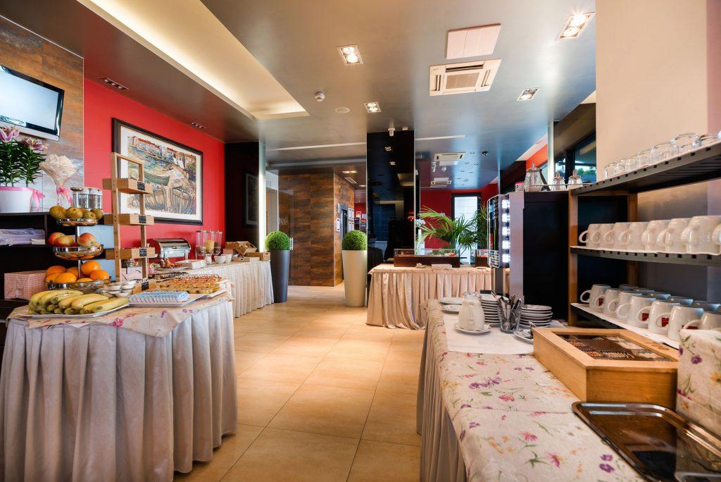 Hotel-Maritimo-švedski-stol-6-of-21-1024x684