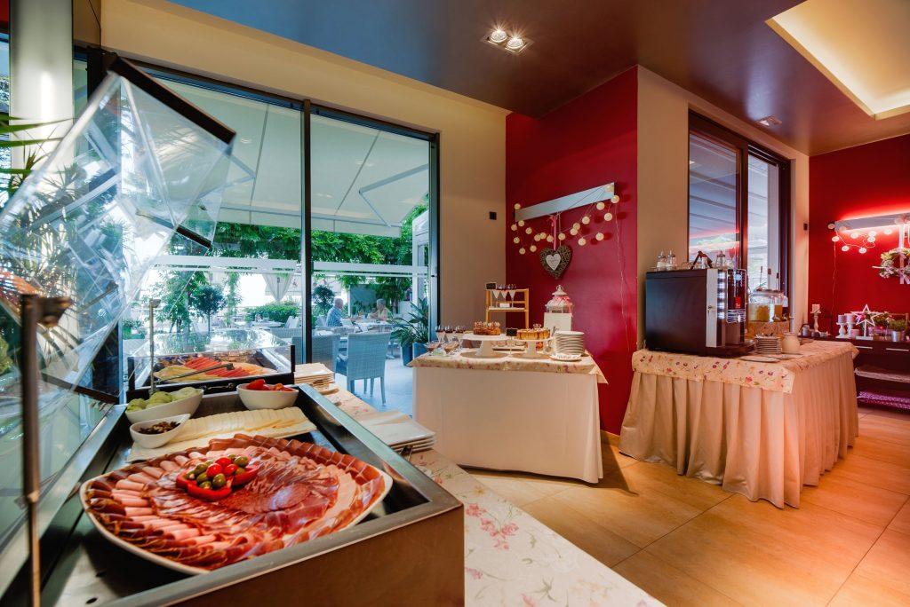 Hotel-Maritimo-švedski-stol-7-of-21-1024x684