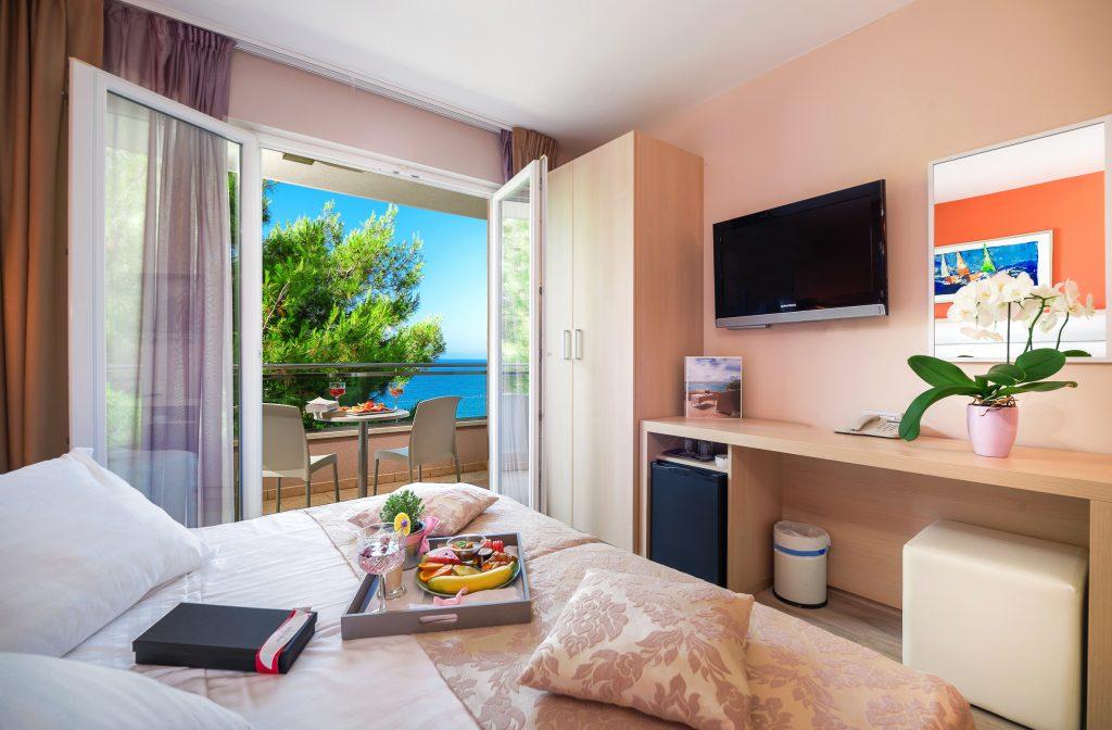 Hotel-Maritimo-Soba-2-1-of-14-1024x672