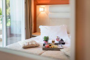 Hotel-Maritimo-Soba-2-13-of-14-300x200