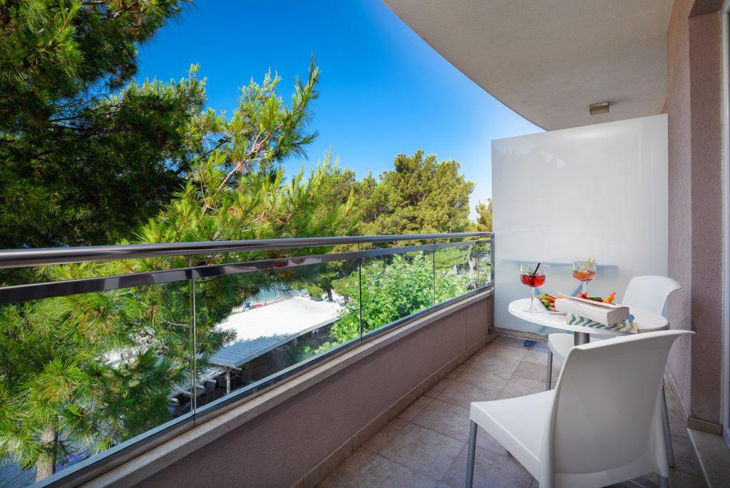 Hotel-Maritimo-Soba-2-8-of-14-1024x684