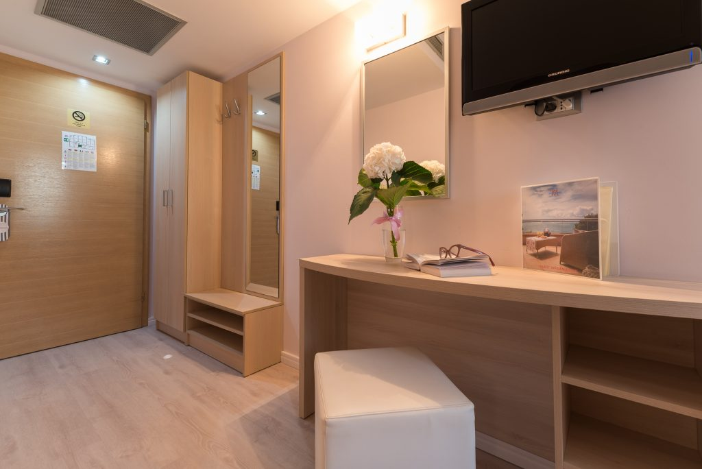 Hotel-Maritimo-Soba-5-14-of-21-1024x684