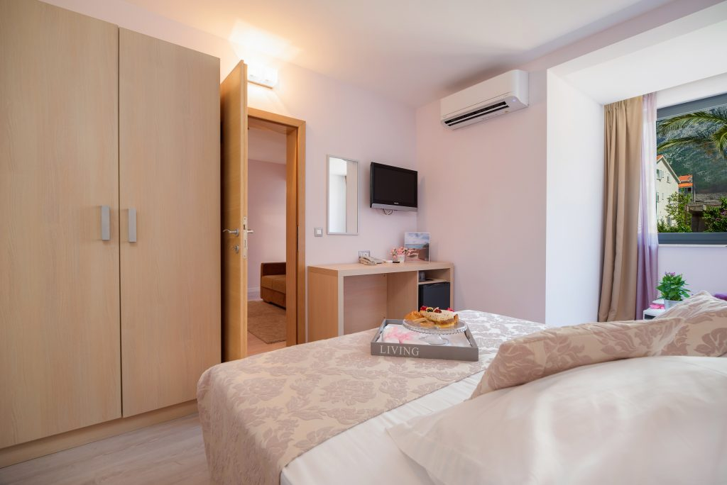 Hotel-Maritimo-Soba-5-2-of-21-1024x684
