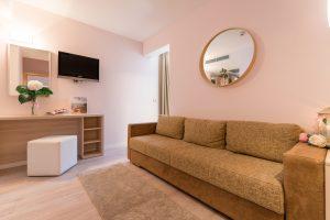 Hotel-Maritimo-Soba-5-7-of-21-300x200