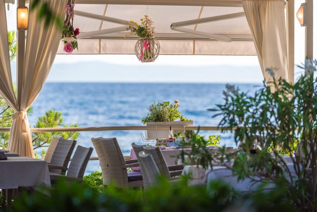Hotel-Maritimo-restoran-134-of-162-1024x684