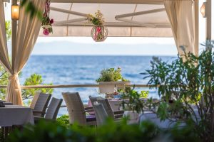 Hotel-Maritimo-restoran-134-of-162-300x200