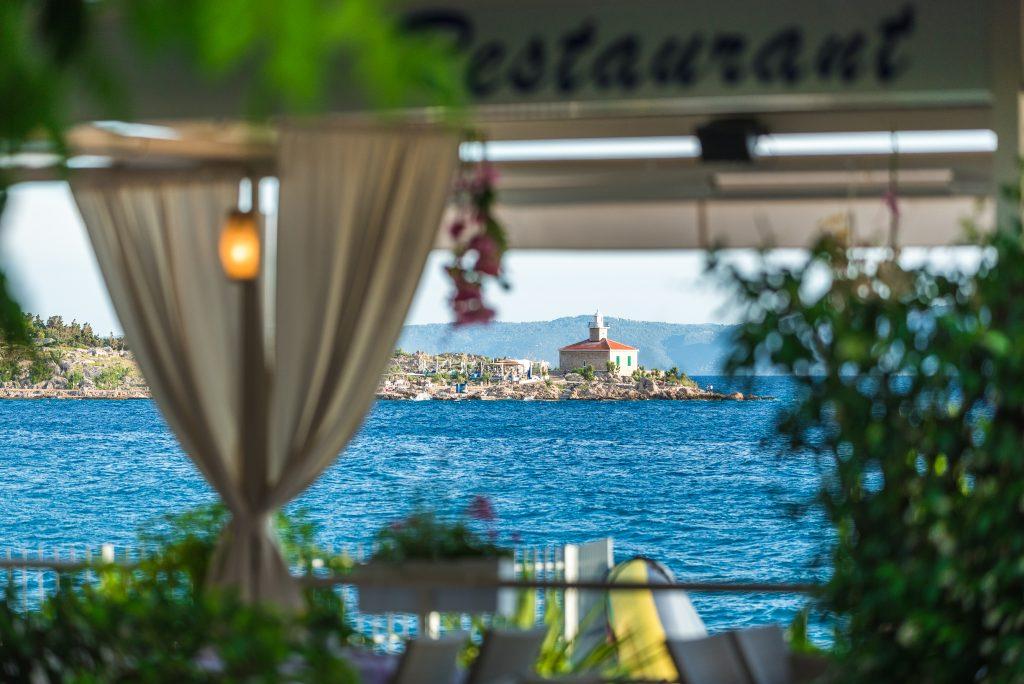 Hotel-Maritimo-restoran-135-of-162-1024x684