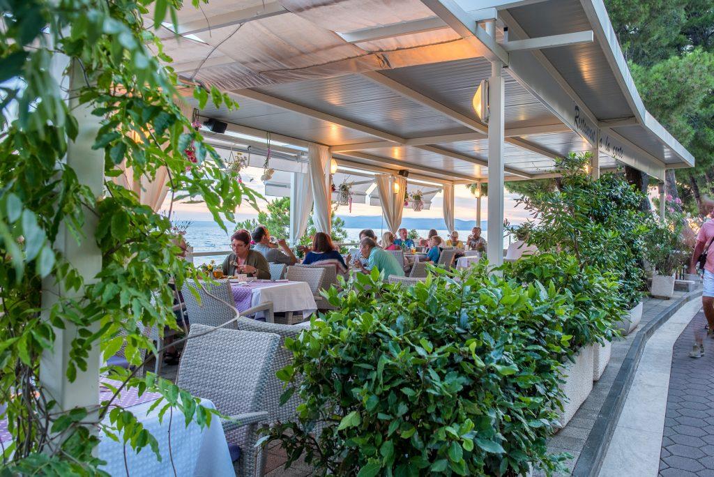 Hotel-Maritimo-restoran-141-of-162-1024x684