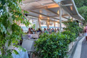 Hotel-Maritimo-restoran-141-of-162-300x200