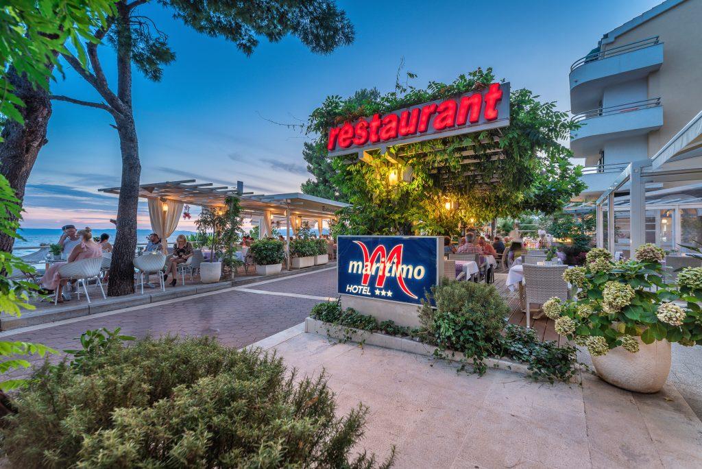 Hotel-Maritimo-restoran-144-of-162-1024x684