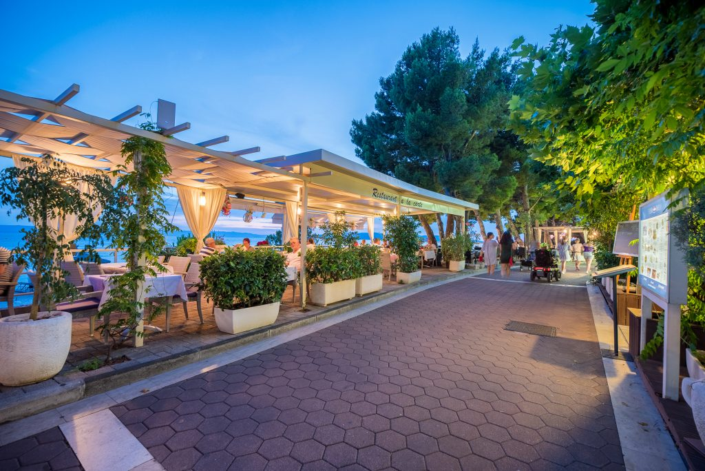 Hotel-Maritimo-restoran-153-of-162-1024x684