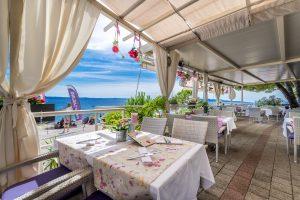 Hotel-Maritimo-restoran-37-of-162-300x200