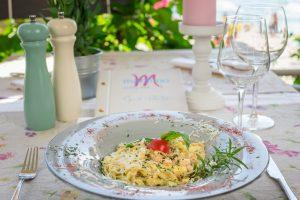 Hotel-Maritimo-restoran-51-of-162-300x200