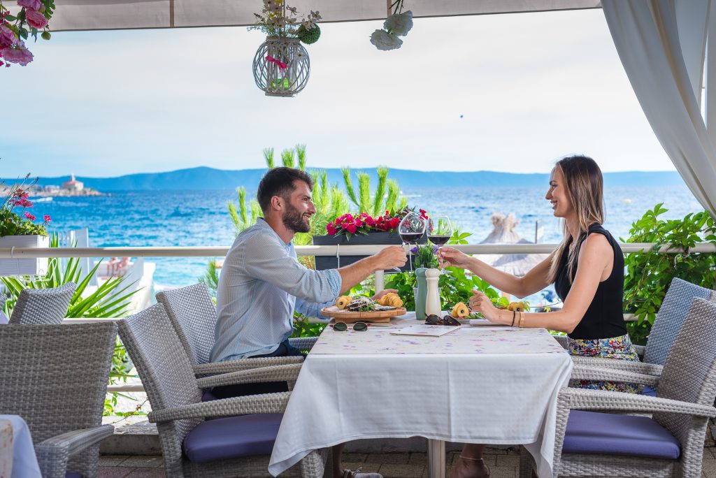 Hotel-Maritimo-restoran-72-of-162-1024x684