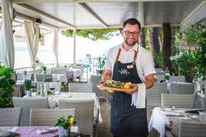 Hotel-Maritimo-restoran-88-of-162-300x200