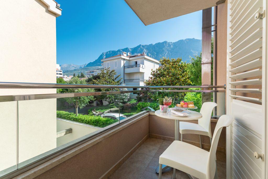 Hotel-Maritimo-Soba-1-14-of-20-1024x684