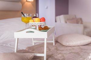 Hotel-Maritimo-Soba-1-15-of-20-300x200
