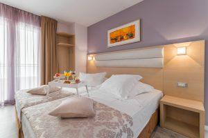 Hotel-Maritimo-Soba-1-4-of-20-300x200