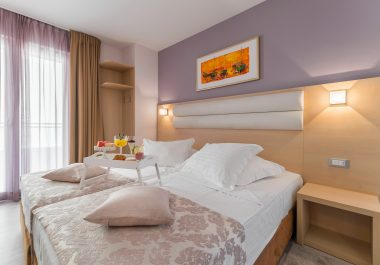 Hotel-Maritimo-Soba-1-4-of-20-380x265