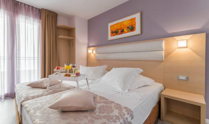 Hotel-Maritimo-Soba-1-4-of-20-720x430