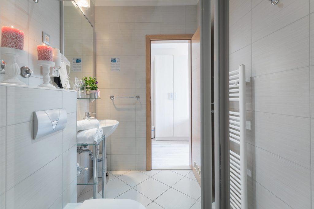 Hotel-Maritimo-Soba-4-13-of-25-1024x684
