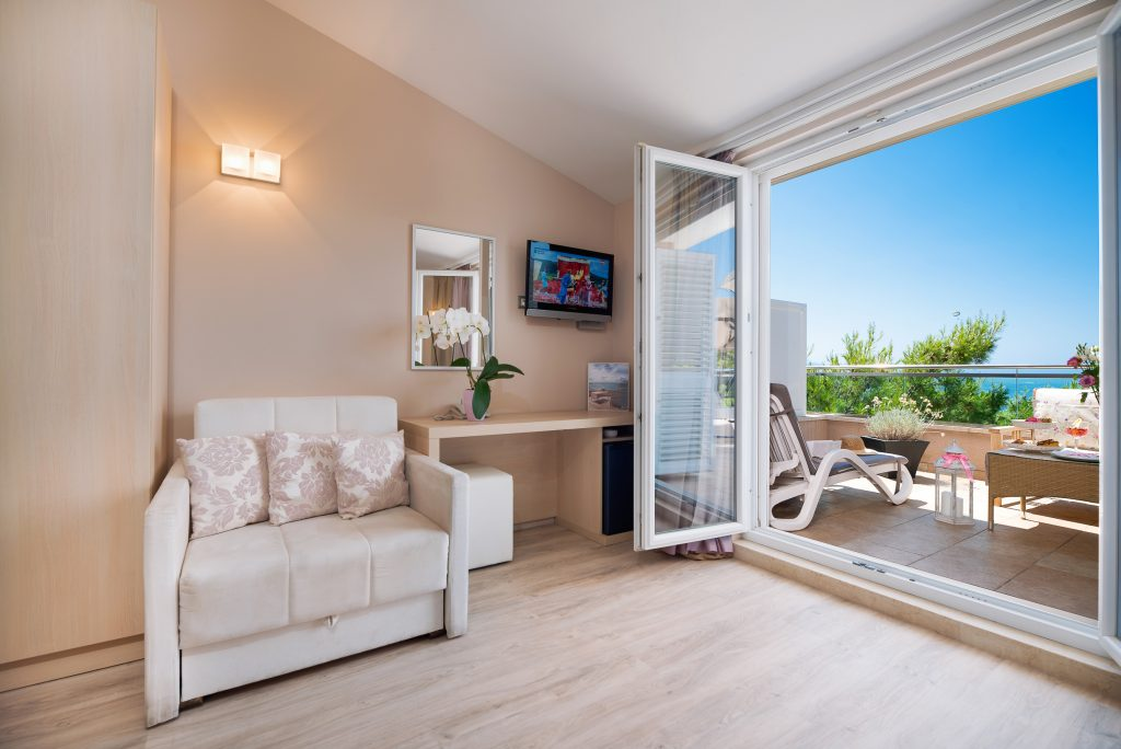 Hotel-Maritimo-Soba-4-2-of-25-1024x684