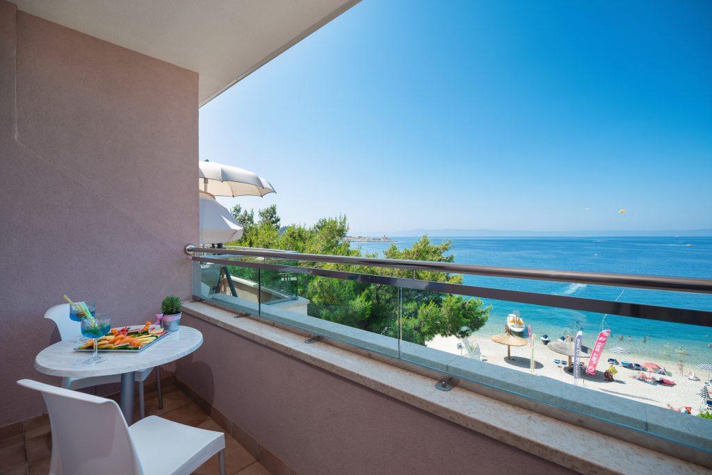 Hotel-Maritimo-Soba-3-19-of-23-1024x684