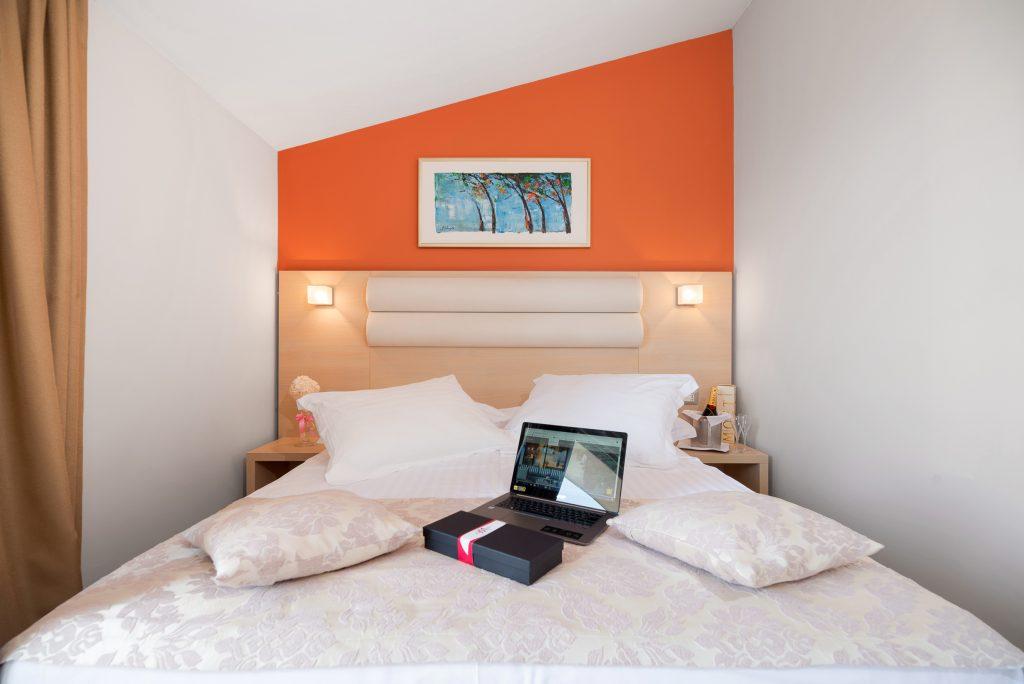 Hotel-Maritimo-Soba-4-1-of-25-1024x684