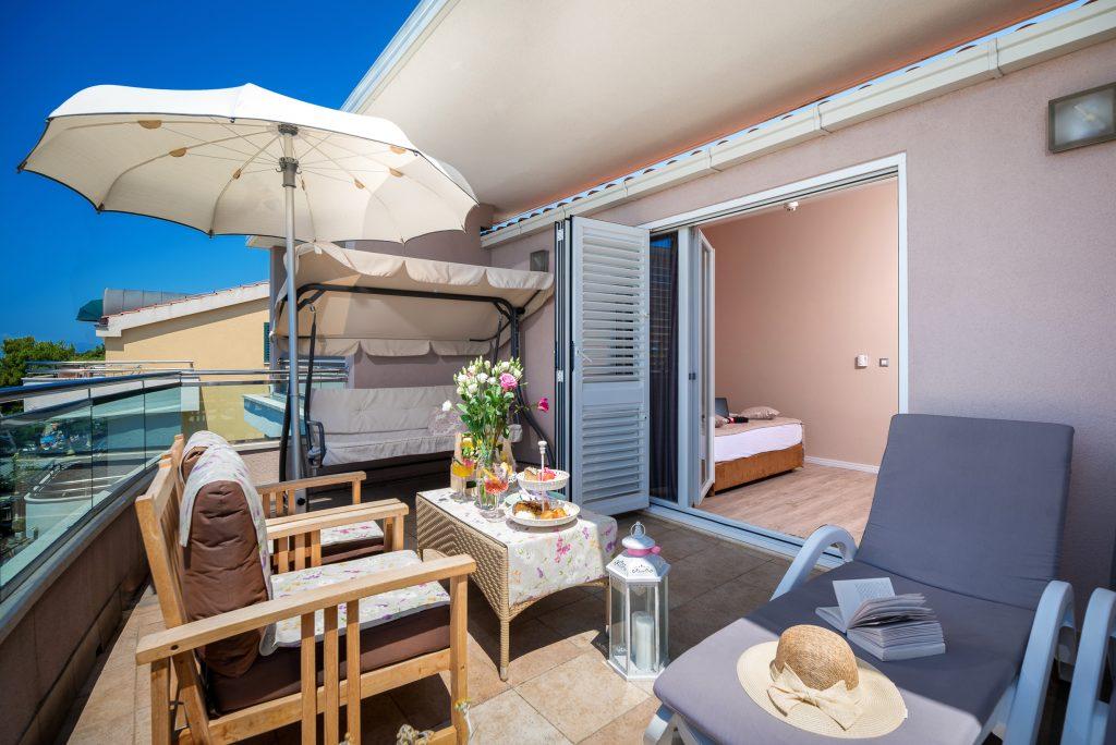 Hotel-Maritimo-Soba-4-6-of-25-1024x684